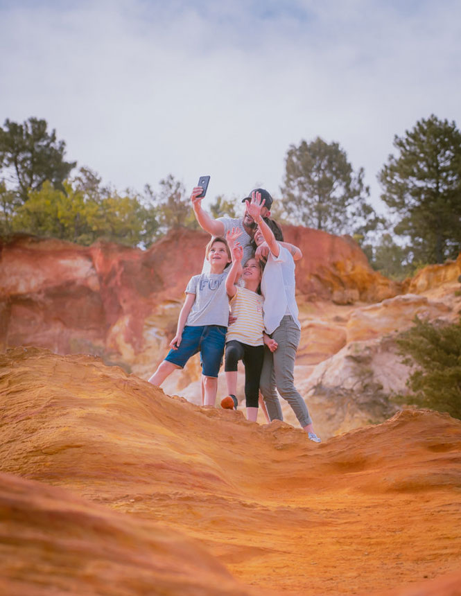 Family fun at the Colorado Provencal in Rustrel ©PLANQUE Michel