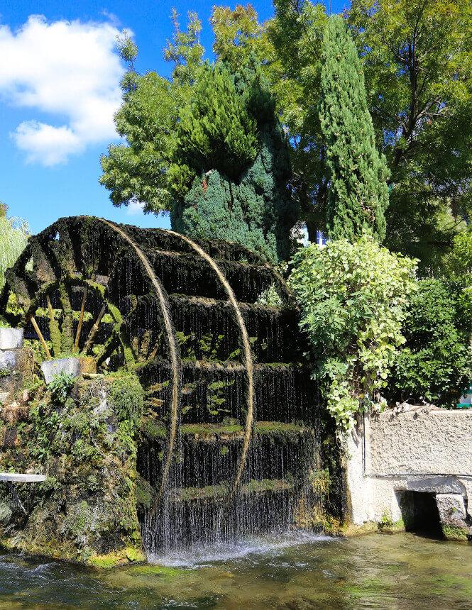 Waterwheel at L'Isle sur la Sorgue ©HOCQUEL A