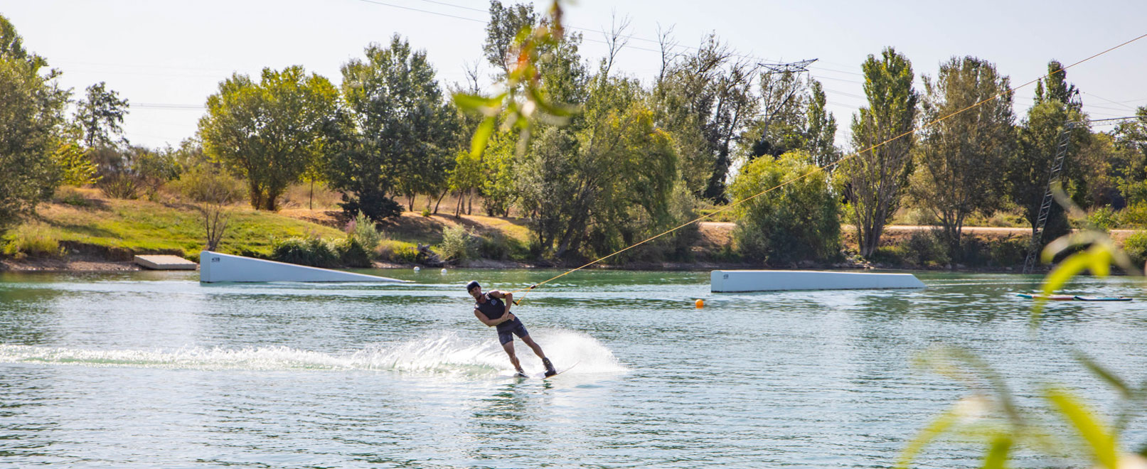 Water skiing in provence © Hocquel