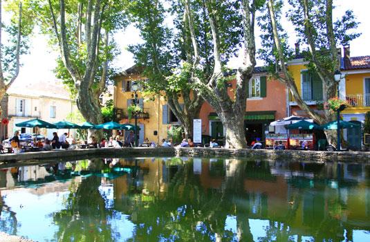 Cucuron pond square @ Hocquel