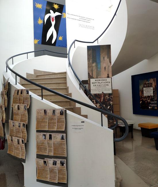 Escaliers au musée de la résistance